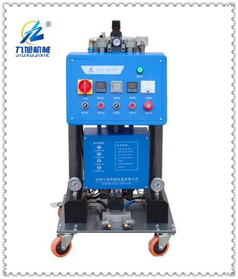 Q1600喷聚氨酯机器